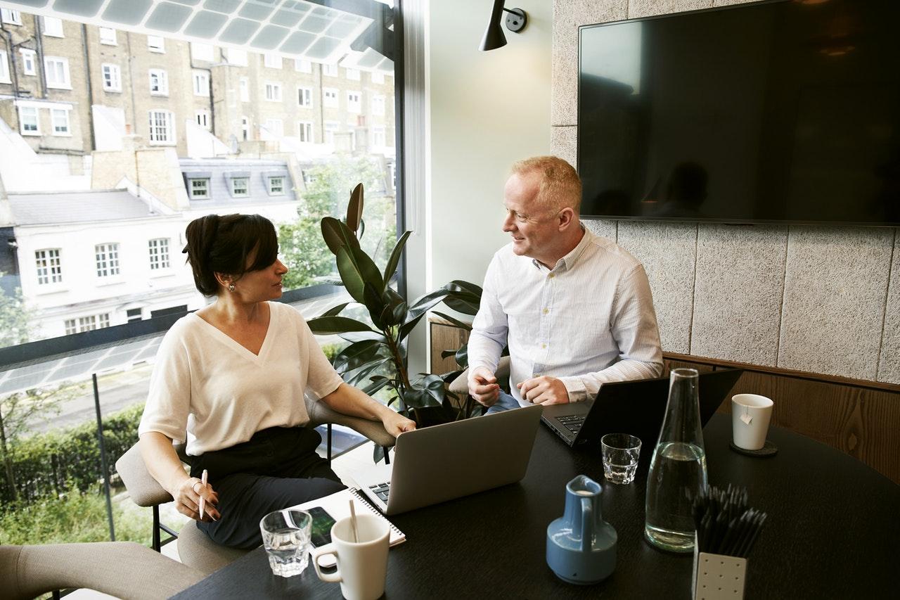 起業は1人で始めるべきか?共同経営するべきかを徹底解説!